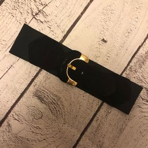 2 for $20❤️👍Vintage velvety belt with gold buckle